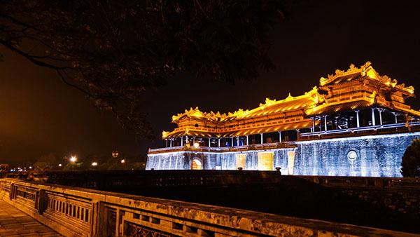 Đà Nẵng - Bán Đảo Sơn Trà - Hội An - Bà Nà Hills - Cố Đô Huế - Phong Nha hoặc Thiên Đường 5 Ngày 4 Đêm